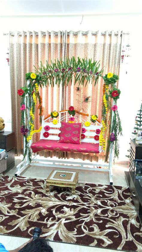 dohale jevan palna goadbharai table decorations
