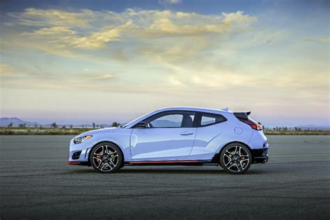 Closer Looks At The 2019 Hyundai Veloster & Veloster N