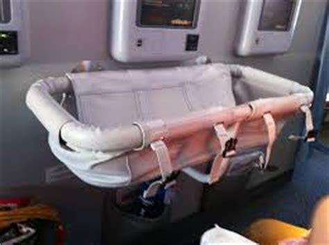 reserver siege air canada voyager avec bébé en avion poussin voyageur