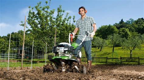 Garten Im Herbst Umgraben Oder Fräsen im herbst garten oder gem 252 sebeet umgraben s 246 llner