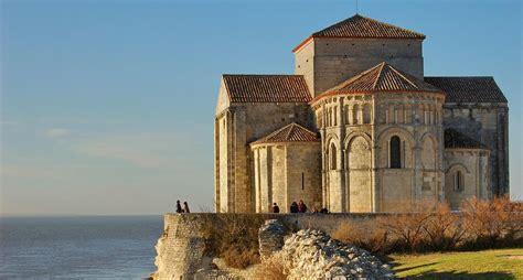 chambres d hotes montpellier l 39 eglise romane le chef d 39 oeuvre de l 39 guide et photos