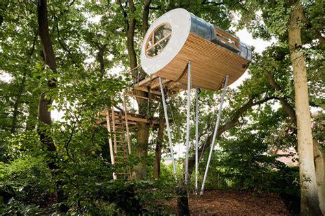 chambre cabane dans les arbres cabane dans les arbres elliptique par baumraum chambre237