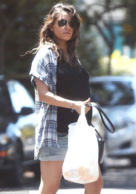 cuisine mila mila kunis steps out for chips after cuisine with