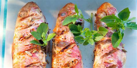 cuisiner des rougets rougets grillés au fenouil et citron vert barbecue