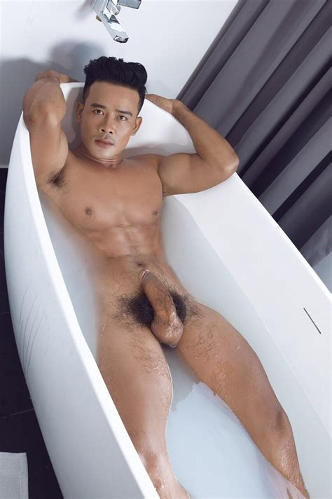 Tomy Big Cock Japanese Male Escort In Dubai