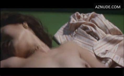 Runa nackt Takamura Kristin Davis