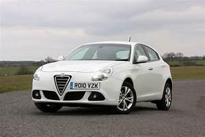 Giulietta Alfa Romeo : alfa romeo giulietta hatchback review 2010 parkers ~ Gottalentnigeria.com Avis de Voitures