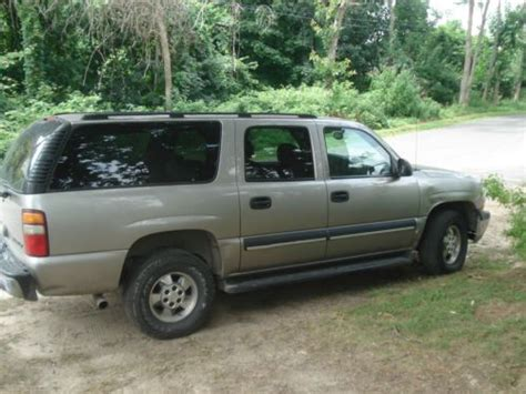 service and repair manuals 2003 chevrolet suburban 1500 free book repair manuals sell used 2003 chevy suburban 1500 series for parts or repair in shelter island heights new