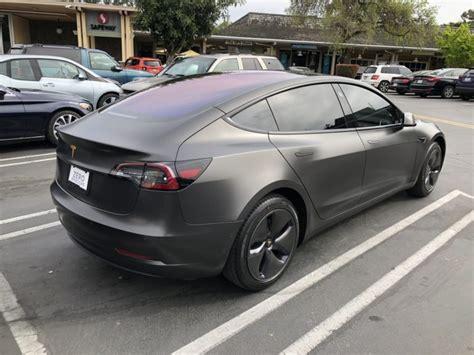 Get Tesla 3 Perfomace Dark Grey Pics