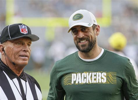 deal aaron rodgers   record setting contract worth    million pro