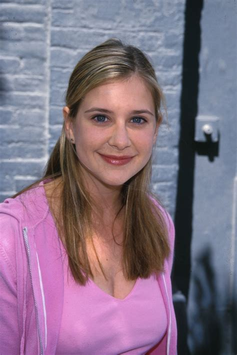 pictures  kellie martin picture  pictures