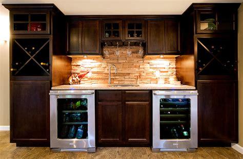 picture of kitchen backsplash custom bar トラディショナル 地下室 セントルイス fulford home 4187