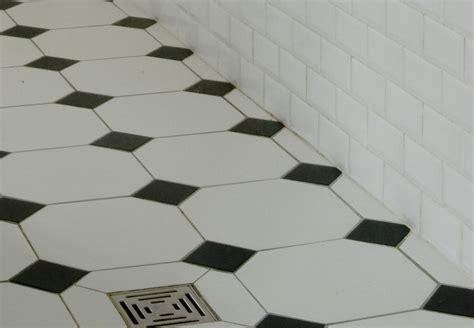 Carrelage Ancien Noir Et Blanc by Indogate Com Salle De Bain Noir Et Blanc Carrelage