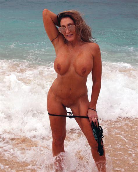 Bikini Milf Mom On The Beach 17 Pics Xhamster