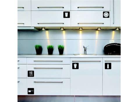 stickers pour porte de cuisine cuisine 12 astuces pour relooker facilement vos placards