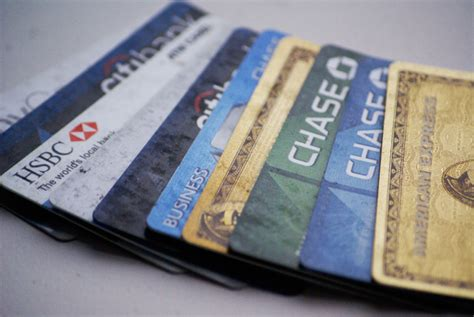 charge card  credit card  differences mybanktracker
