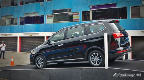 Gambar Mobil Wuling Cortez by Driving Impression Wuling Cortez 2018 Autonetmagz