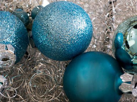 adventskranz 2017 farben weihnachtsfarben 2018 trends f 252 r weihnachtsdeko weihnachtskugeln