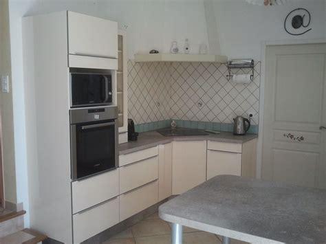table d angle pour cuisine cuisine avec angle meuble cuisine haut angle meuble d