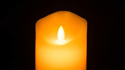 Led Kerze Mit Beweglicher Flamme Und Echtwachs Im Test Von