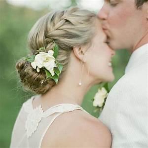 Chignon Demoiselle D Honneur Mariage : chignon de mari e 2016 50 chignons de mariage pour r ver elle ~ Melissatoandfro.com Idées de Décoration