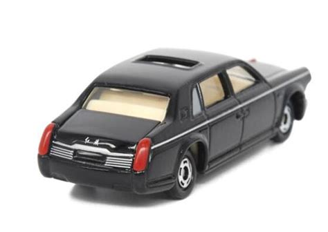 diecast faw hong qi car toy black 1 84 scale by tomica vb1a158