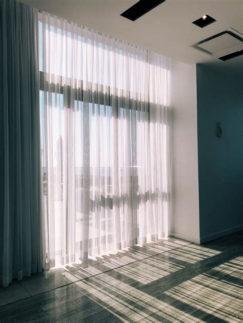 curtain pictures   images  unsplash