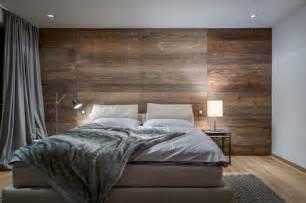 schlafzimmergestaltung wand ein edles schlafzimmer mit altholz wand und pelzdecke es ist teil eines luxus apartments in