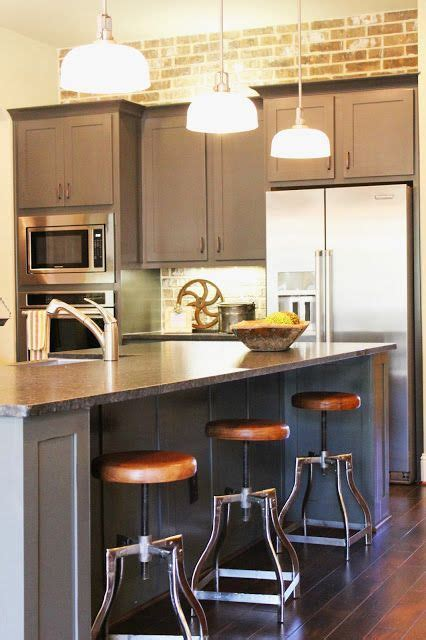 Industrial farmhouse kitchen, Brick wall and back splash