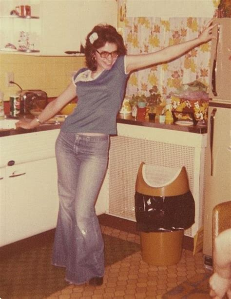 43 Cool Pics Of Teenage Girls That Defined Young Fashion Of The 1970s Vintage News Daily