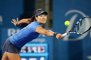 Famous Sports Personalities  Li Na Hot 2013