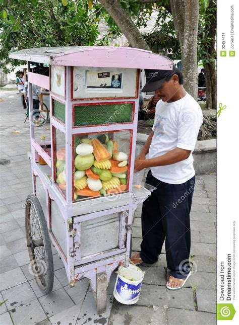 Street Vendor Of Indonesia Editorial Photo   Image: 32487411