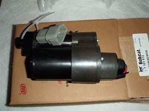 7101672 Bobcat Lift Tilt Actuator Skid Steer N  R
