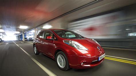 Hertz Car Hire Introduces Nissan Leaf Electric Car To