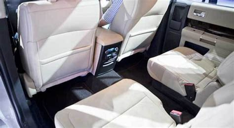 2013 Toyota Highlander Captains Chairs by 2013 Ford Flex Chicago Tribune