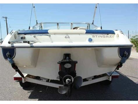 Cuddy Cabin Power Boats by Stingray 200 Cs Cuddy Cabin Boat In Varna Power Boats