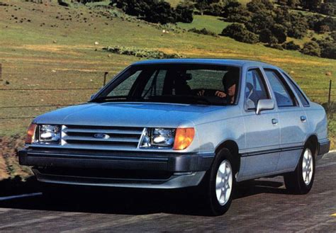 Ford Tempo 1984–87 images (640x480)