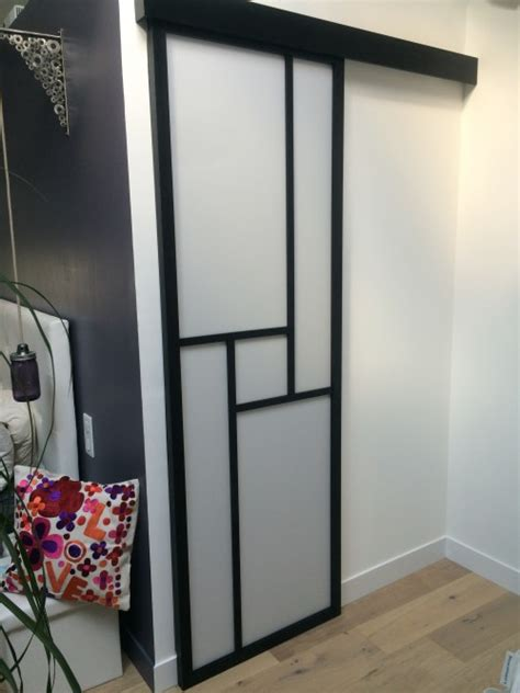 porte chambre coulissante porte coulissante en applique dans une chambre parentale