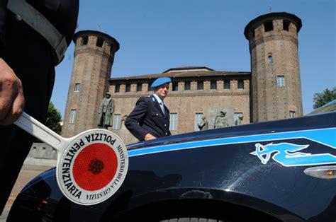 Ufficio Concorsi Polizia Penitenziaria by Corsi Polizia E Formazione