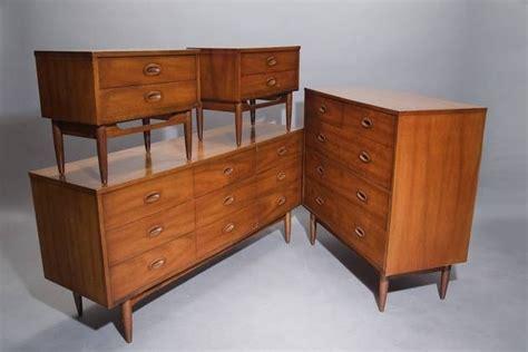 1950s bedroom furniture 177 best images about 1940 1950 furniture on pinterest 10009 | 77e7e3628e9c12976ef837668ce5ef7f 1950s bedroom bedroom sets