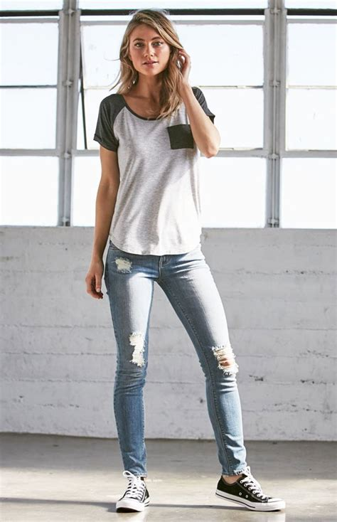 Are skinny jeans going out of fashion? - Quora