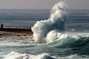 New Zealand hit by tsunami hours after earthquake near ...