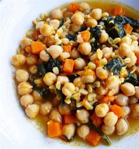 receta de potaje de garbanzos  trigo  espinacas  calabaza