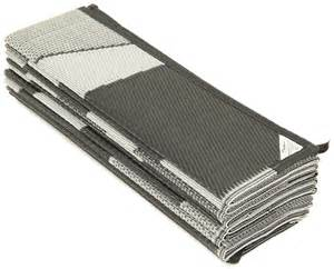 Rv Reversible Patio Mats by Faulkner Rv Mat Summer Waves Black And White 8 X 20 Faulkner Patio Accessories Fr46341