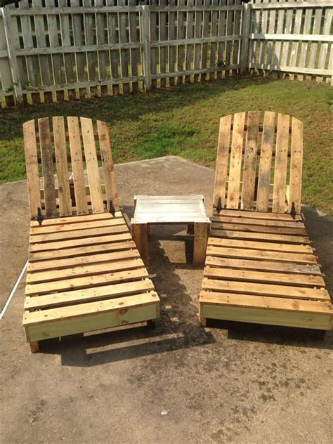 10 recycled pallet lounge chairs recycled pallet ideas
