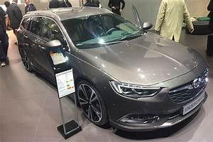 Insignia Sport Tourer : new 2017 vauxhall insignia sports tourer revealed prices specs and exclusive images auto express ~ Maxctalentgroup.com Avis de Voitures