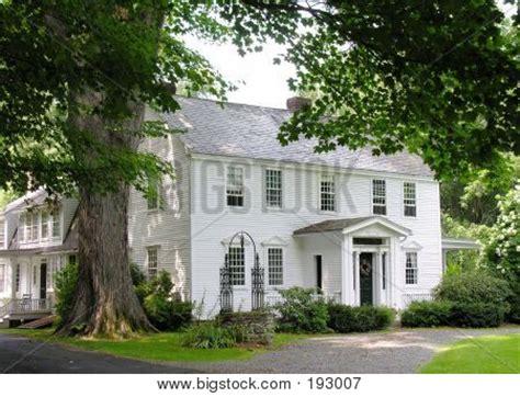 white colonial exterior exterior colonial exterior saltbox houses  houses