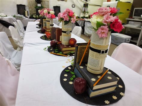 chezmaitaipearls centerpiece table decorations graduation party ideas