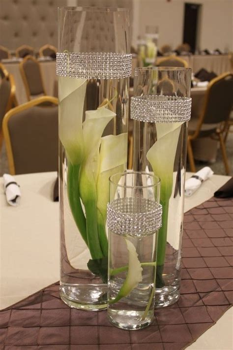 calla lily table l reception table calla lilies and vases on pinterest