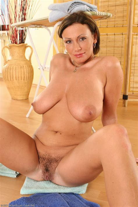 Beautiful Milf Sandra Gallery For Hair And